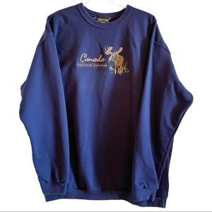 Cozy oversized tourist Canada moose crew neck